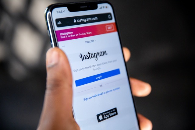 mobile phone-Instagram